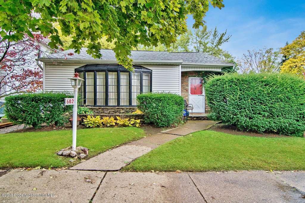 602 Taylor, Scranton, Pennsylvania 18510, 3 Bedrooms Bedrooms, 7 Rooms Rooms,3 BathroomsBathrooms,Single Family,For Sale,Taylor,20-909