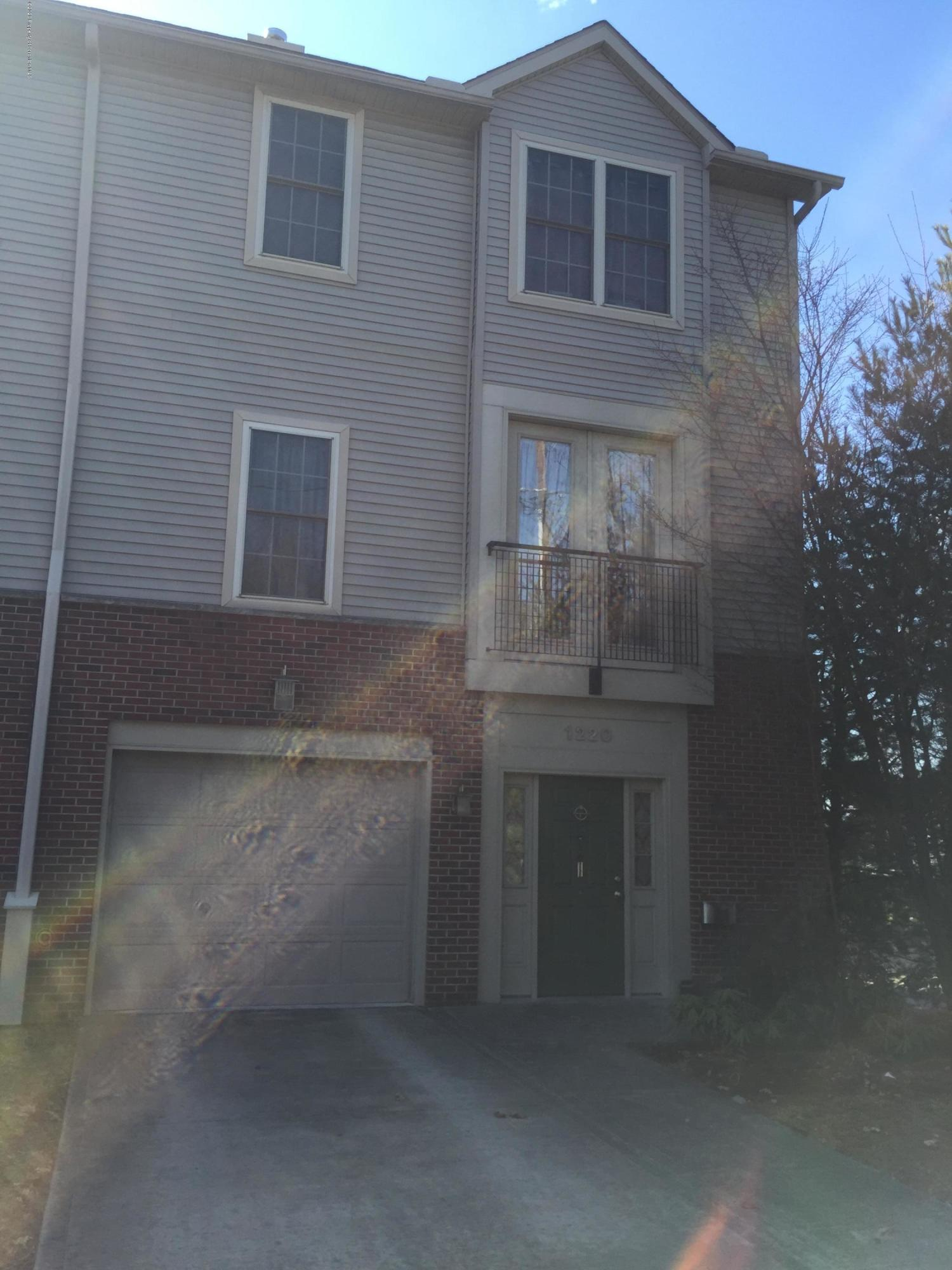 1220 Olive St, Scranton, Pennsylvania 18510, 3 Bedrooms Bedrooms, 6 Rooms Rooms,4 BathroomsBathrooms,Residential - condo/townhome,For Sale,Olive,20-1072