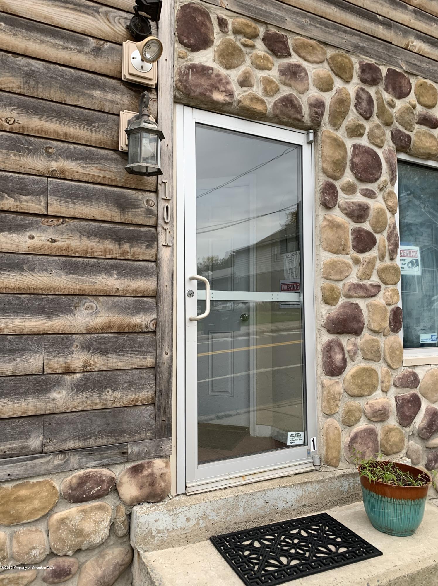 101 Church St - Unit 4, Moscow, Pennsylvania 18444, 1 Bedroom Bedrooms, 3 Rooms Rooms,1 BathroomBathrooms,Rental,For Lease,Church St - Unit 4,20-1137