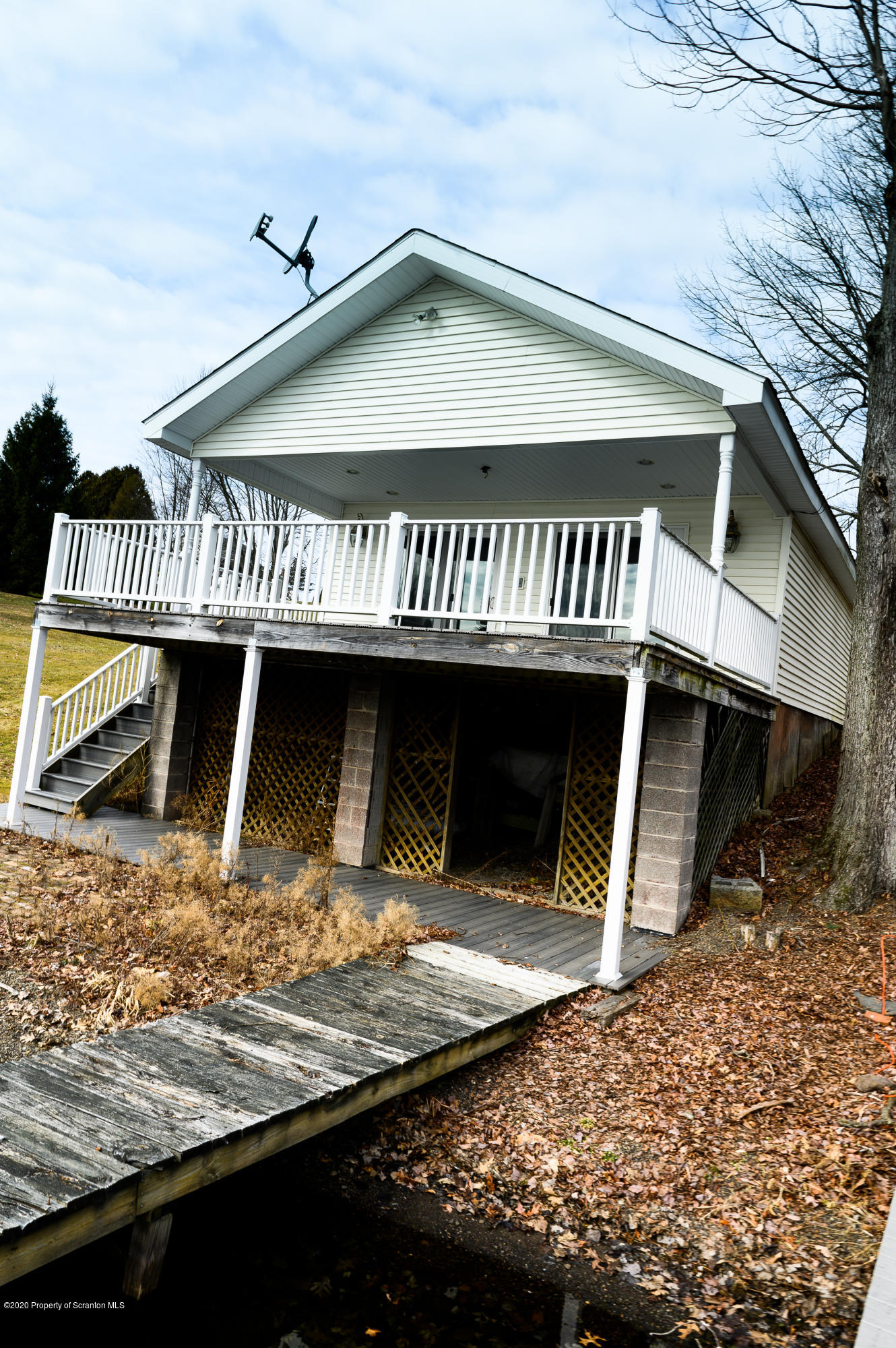 1941 Dalton Rd, Lake Winola, Pennsylvania 18625, 4 Bedrooms Bedrooms, 9 Rooms Rooms,3 BathroomsBathrooms,Single Family,For Sale,Dalton,20-876