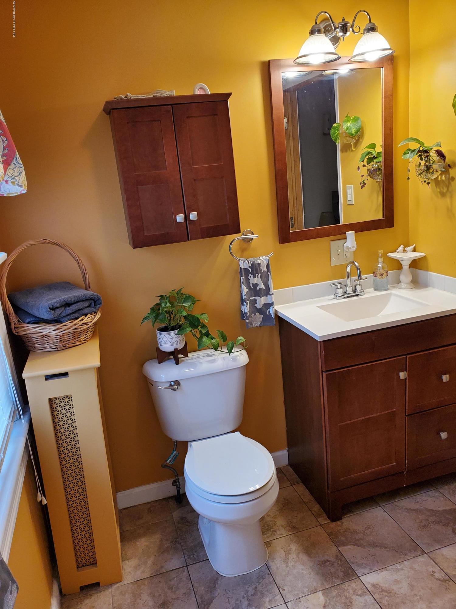 1235 Dundaff St, Dickson City, Pennsylvania 18519, 3 Bedrooms Bedrooms, 6 Rooms Rooms,1 BathroomBathrooms,Single Family,For Sale,Dundaff,20-1220