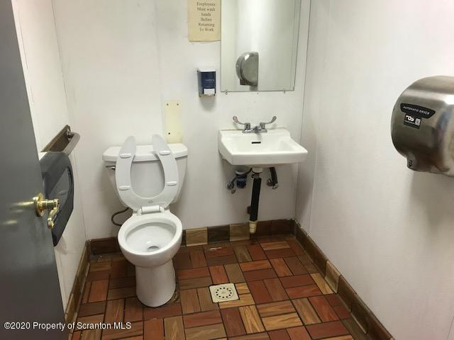 47 Mountain Blvd, Mountaintop, Pennsylvania 18707, ,2 BathroomsBathrooms,Commercial,For Lease,Mountain,20-1242