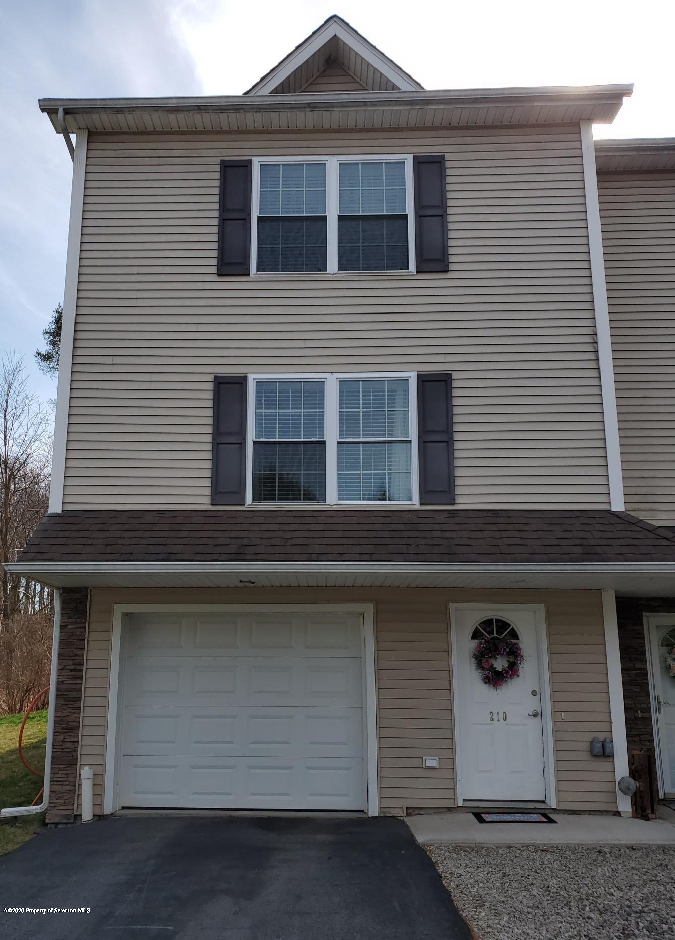 210 Park Edge Ln, Scranton, Pennsylvania 18504, 3 Bedrooms Bedrooms, 6 Rooms Rooms,2 BathroomsBathrooms,Residential - condo/townhome,For Sale,Park Edge,20-1246