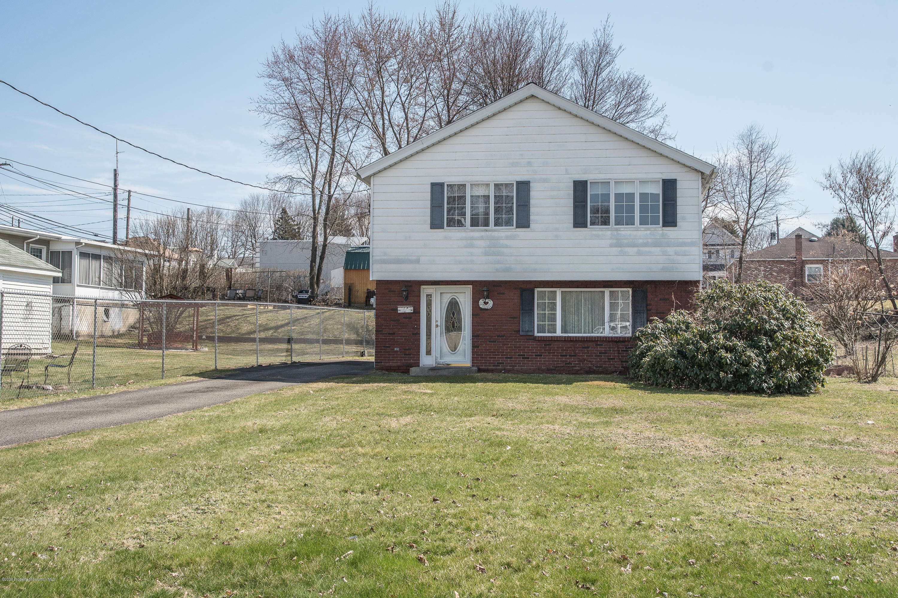 396 Lane St, Jessup, Pennsylvania 18434, 3 Bedrooms Bedrooms, 8 Rooms Rooms,2 BathroomsBathrooms,Single Family,For Sale,Lane,20-1250