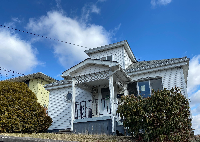 1122 Court St, Scranton, Pennsylvania 18508, 1 Bedroom Bedrooms, 5 Rooms Rooms,1 BathroomBathrooms,Single Family,For Sale,Court,20-1253