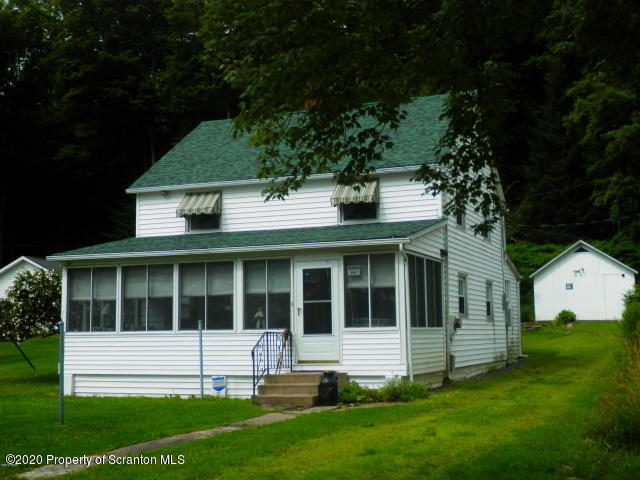 224 Shore Dr, Lake Ariel, Pennsylvania 18436, 4 Bedrooms Bedrooms, 7 Rooms Rooms,2 BathroomsBathrooms,Single Family,For Sale,Shore Dr,20-1318