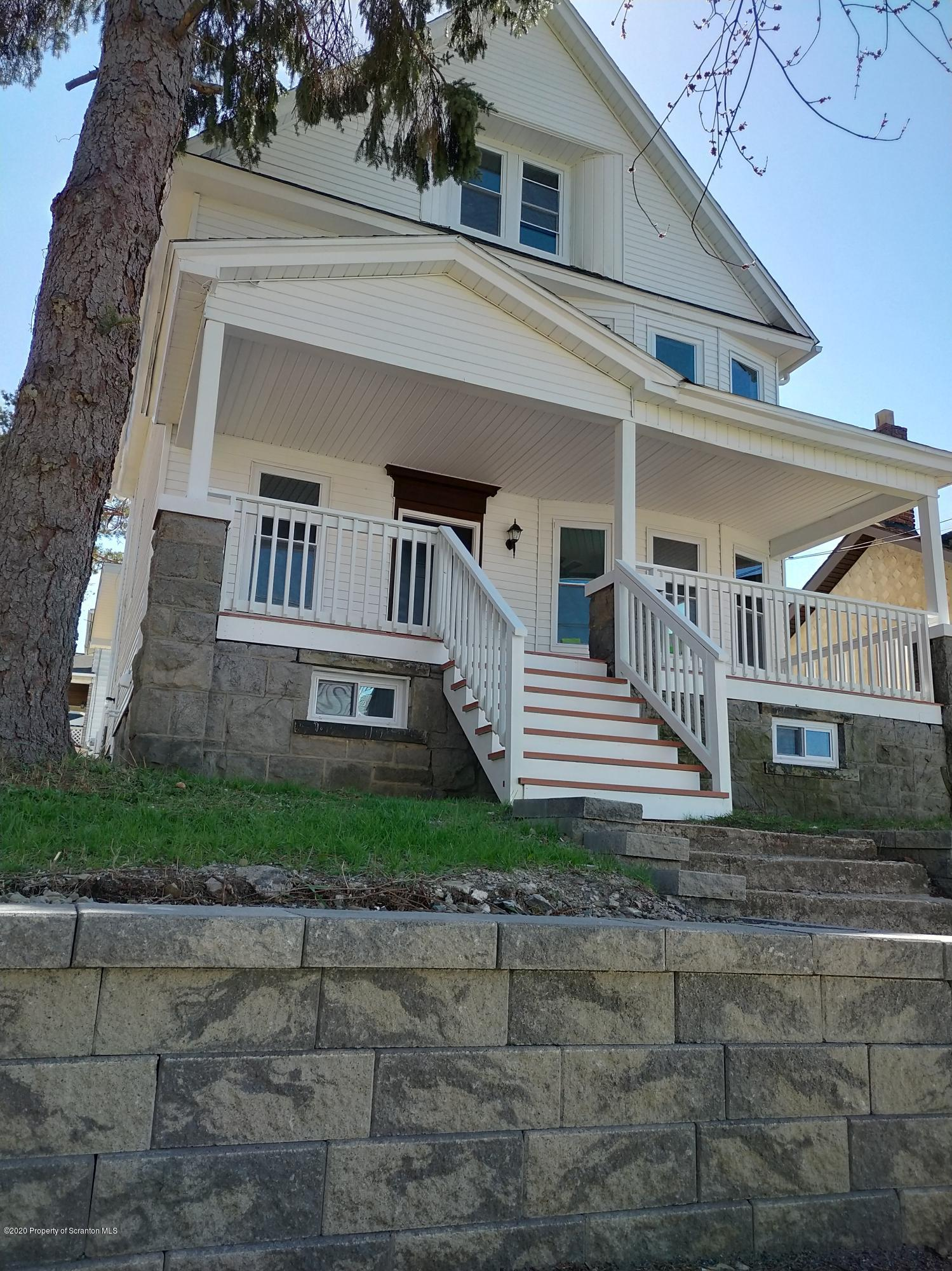 1001 Irving Ave, Scranton, Pennsylvania 18505, 5 Bedrooms Bedrooms, 8 Rooms Rooms,3 BathroomsBathrooms,Single Family,For Sale,Irving,20-1381