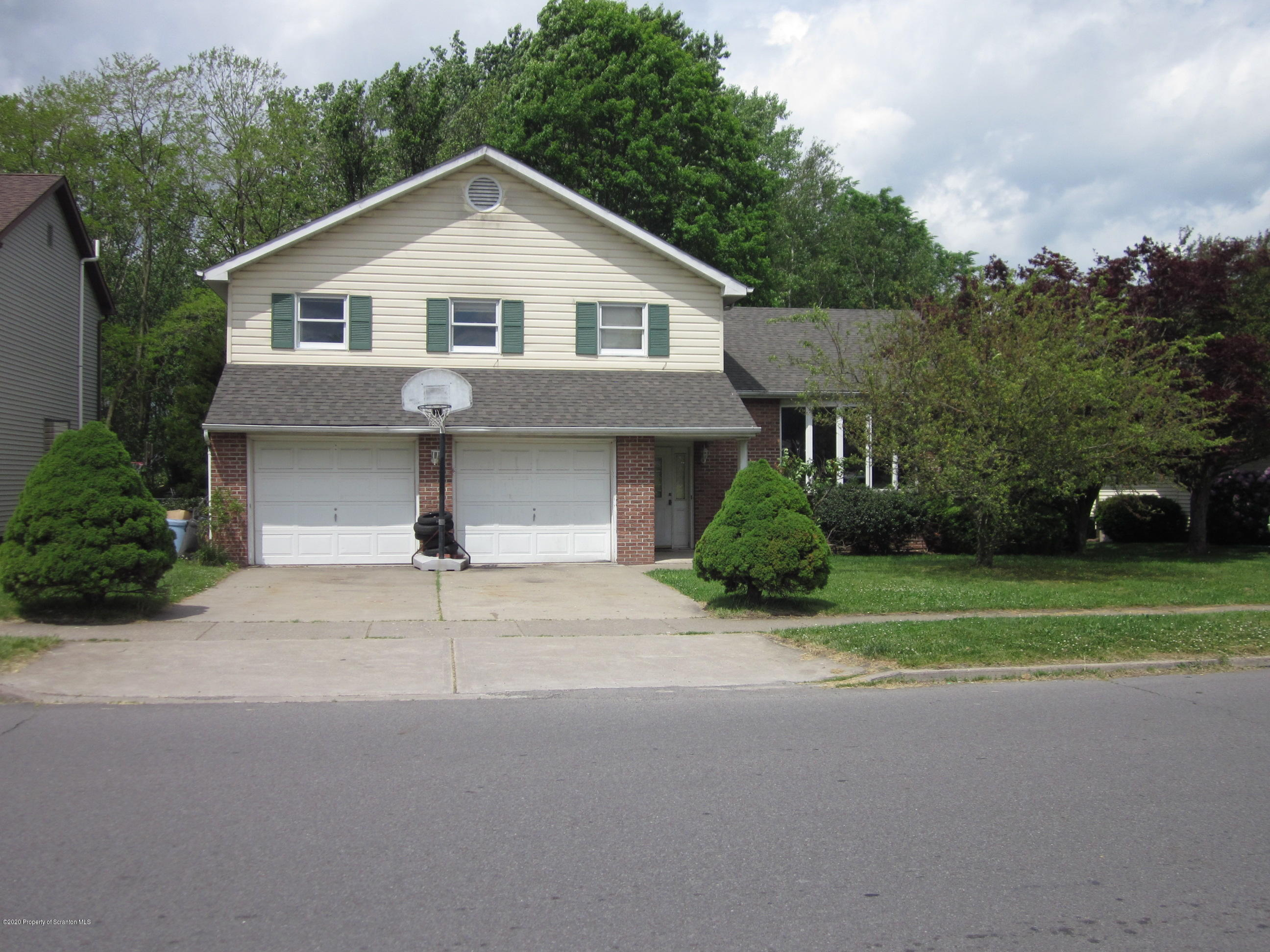 706 Parrott Avenue, Scranton, Pennsylvania 18504, 3 Bedrooms Bedrooms, 7 Rooms Rooms,3 BathroomsBathrooms,Single Family,For Sale,Parrott,20-1776