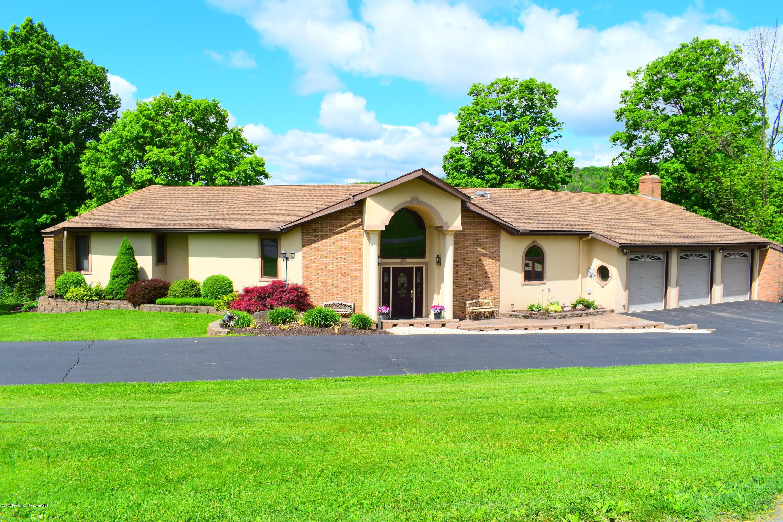 159 Lake Shore Drive, Montrose, Pennsylvania 18801, 5 Bedrooms Bedrooms, 11 Rooms Rooms,4 BathroomsBathrooms,Single Family,For Sale,Lake Shore Drive,20-1806