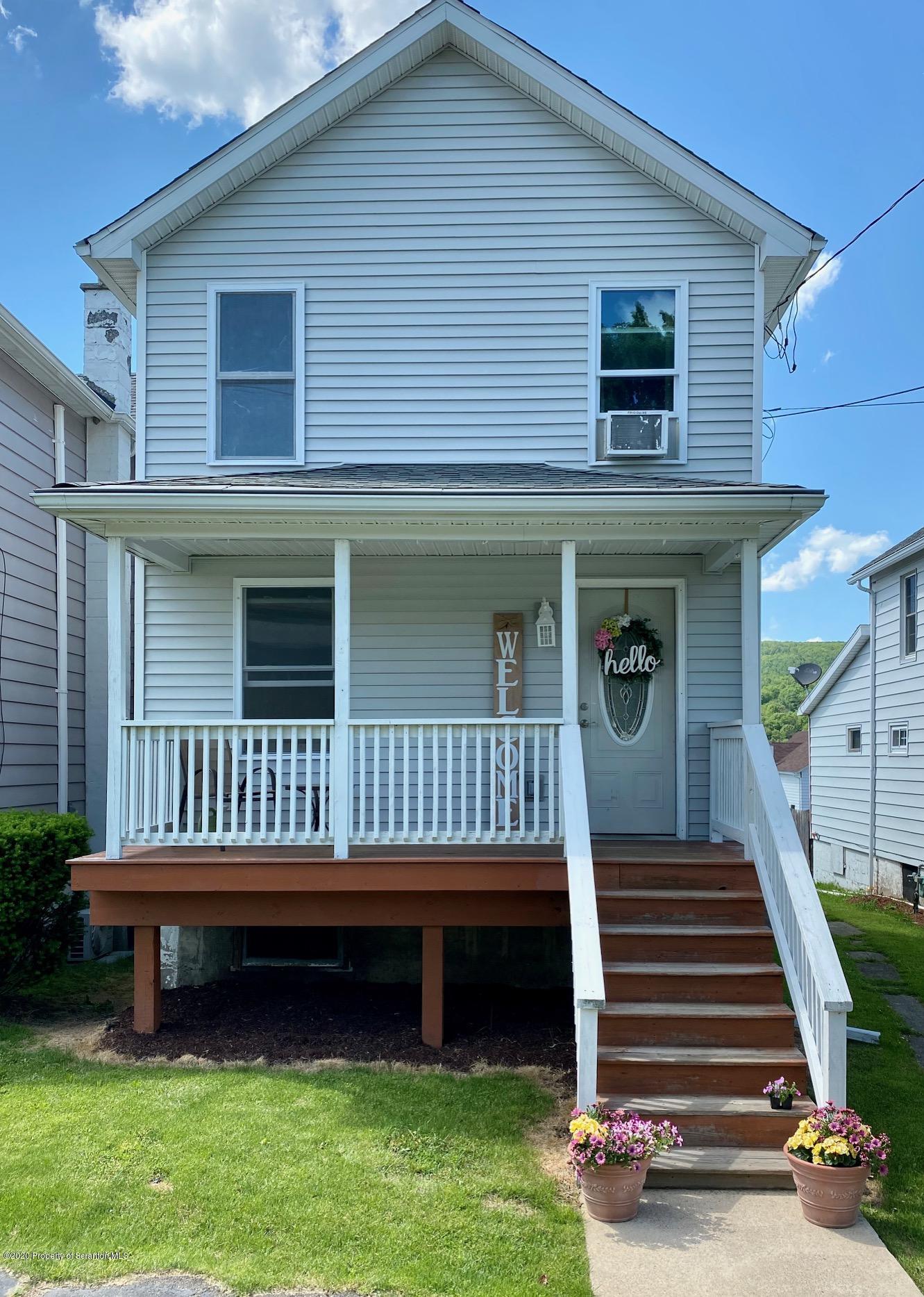 417 Delaware St, Mayfield, Pennsylvania 18433, 2 Bedrooms Bedrooms, 5 Rooms Rooms,1 BathroomBathrooms,Single Family,For Sale,Delaware,20-1944