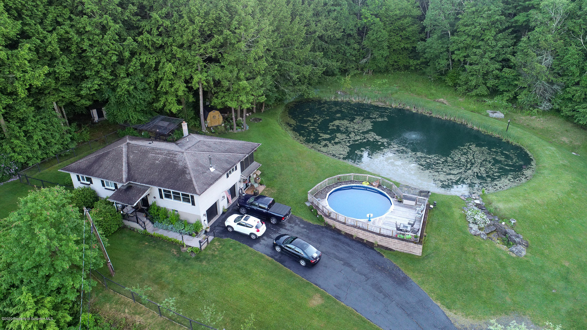 513 Bell Mountain Rd, Greenfield Twp, Pennsylvania 18407, 3 Bedrooms Bedrooms, 8 Rooms Rooms,3 BathroomsBathrooms,Single Family,For Sale,Bell Mountain,20-2221