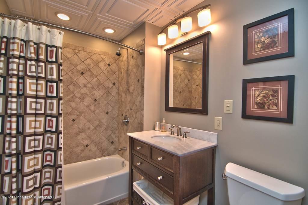 77 Ingrid Drive, Gouldsboro, Pennsylvania 18424, 5 Bedrooms Bedrooms, 9 Rooms Rooms,4 BathroomsBathrooms,Single Family,For Sale,Ingrid,20-2267