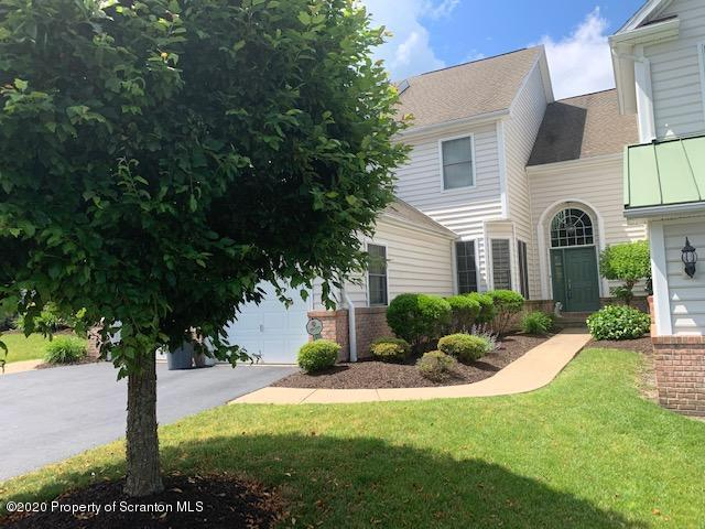 2405 Browing Close, Moosic, Pennsylvania 18507, 3 Bedrooms Bedrooms, 9 Rooms Rooms,4 BathroomsBathrooms,Residential - condo/townhome,For Sale,Browing Close,20-2250