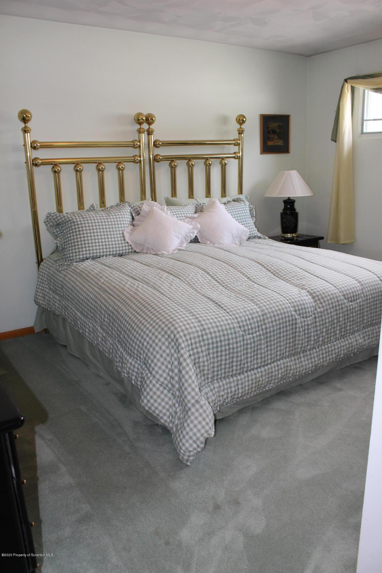 611 Locust St, Scranton, Pennsylvania 18504, 3 Bedrooms Bedrooms, 7 Rooms Rooms,2 BathroomsBathrooms,Single Family,For Sale,Locust,20-2261