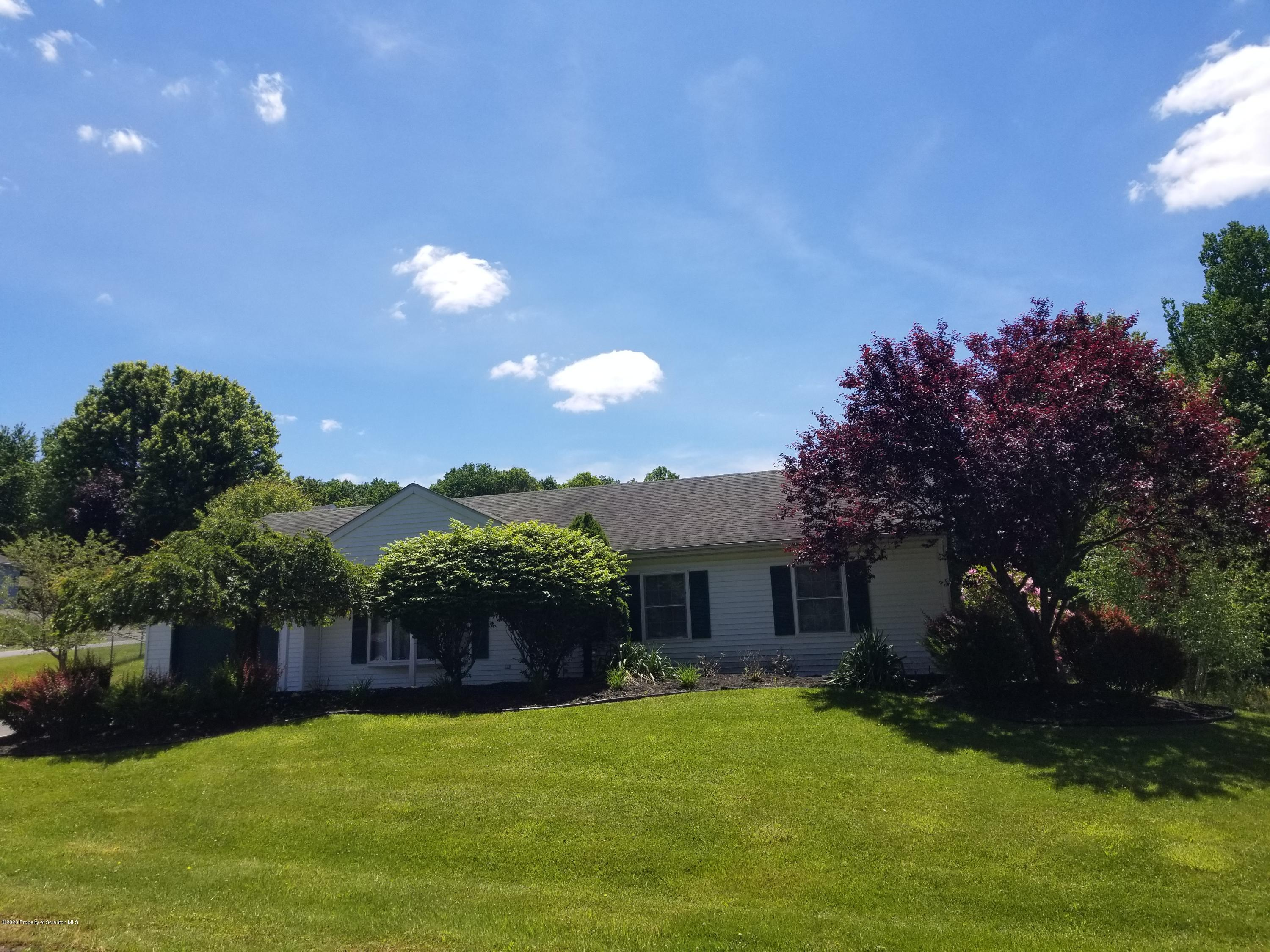 4 Stream View Court, Mountaintop, Pennsylvania 18707, 3 Bedrooms Bedrooms, 6 Rooms Rooms,1 BathroomBathrooms,Single Family,For Sale,Stream View,20-2247