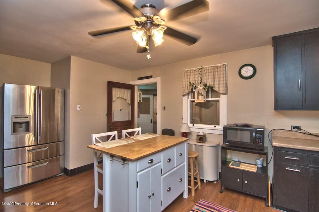 312 Green Grove Rd, Scott Twp, Pennsylvania 18447, 3 Bedrooms Bedrooms, 6 Rooms Rooms,3 BathroomsBathrooms,Single Family,For Sale,Green Grove,20-2263