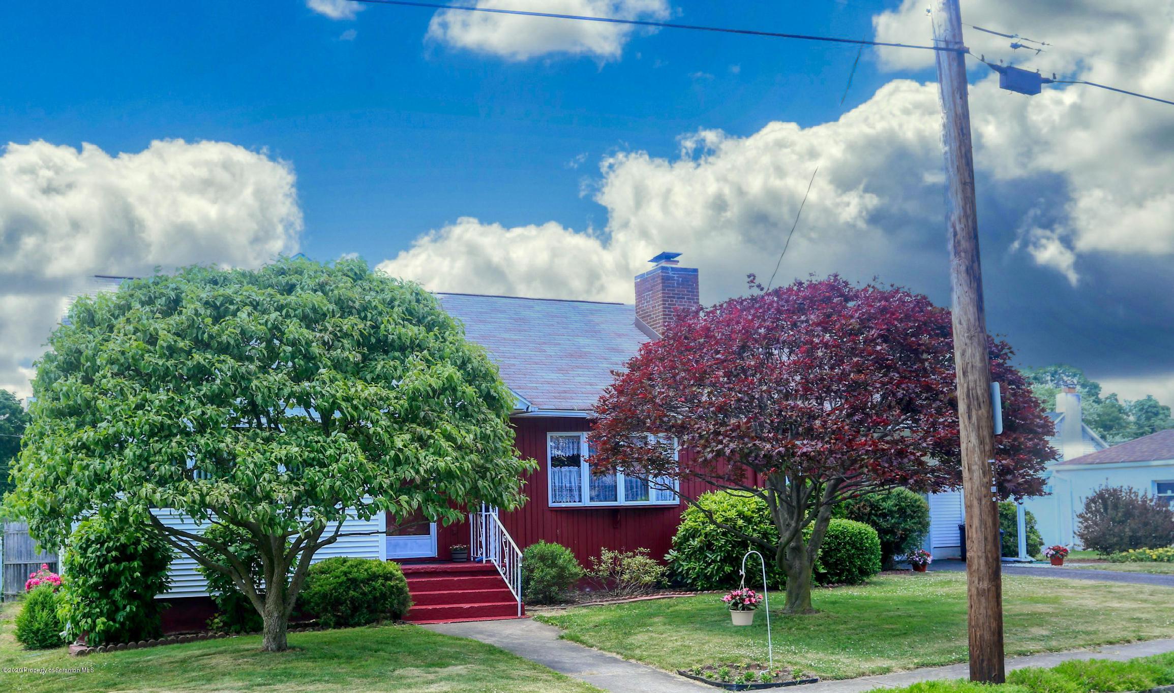 525 Crippen St, Moosic, Pennsylvania 18507, 3 Bedrooms Bedrooms, 7 Rooms Rooms,2 BathroomsBathrooms,Single Family,For Sale,Crippen,20-2272
