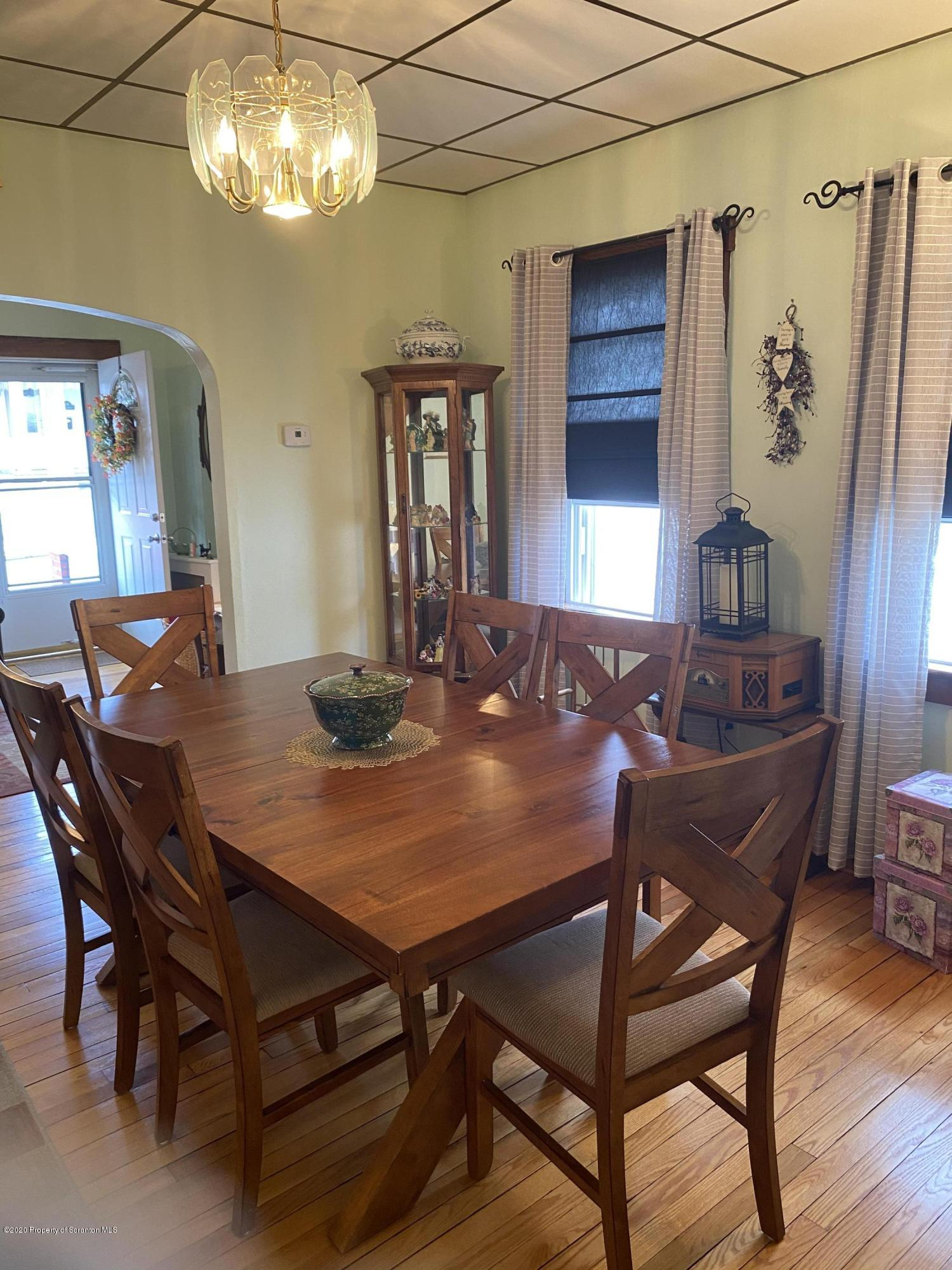 211 Alicia St, Old Forge, Pennsylvania 18518, 2 Bedrooms Bedrooms, 5 Rooms Rooms,2 BathroomsBathrooms,Single Family,For Sale,Alicia,20-2264