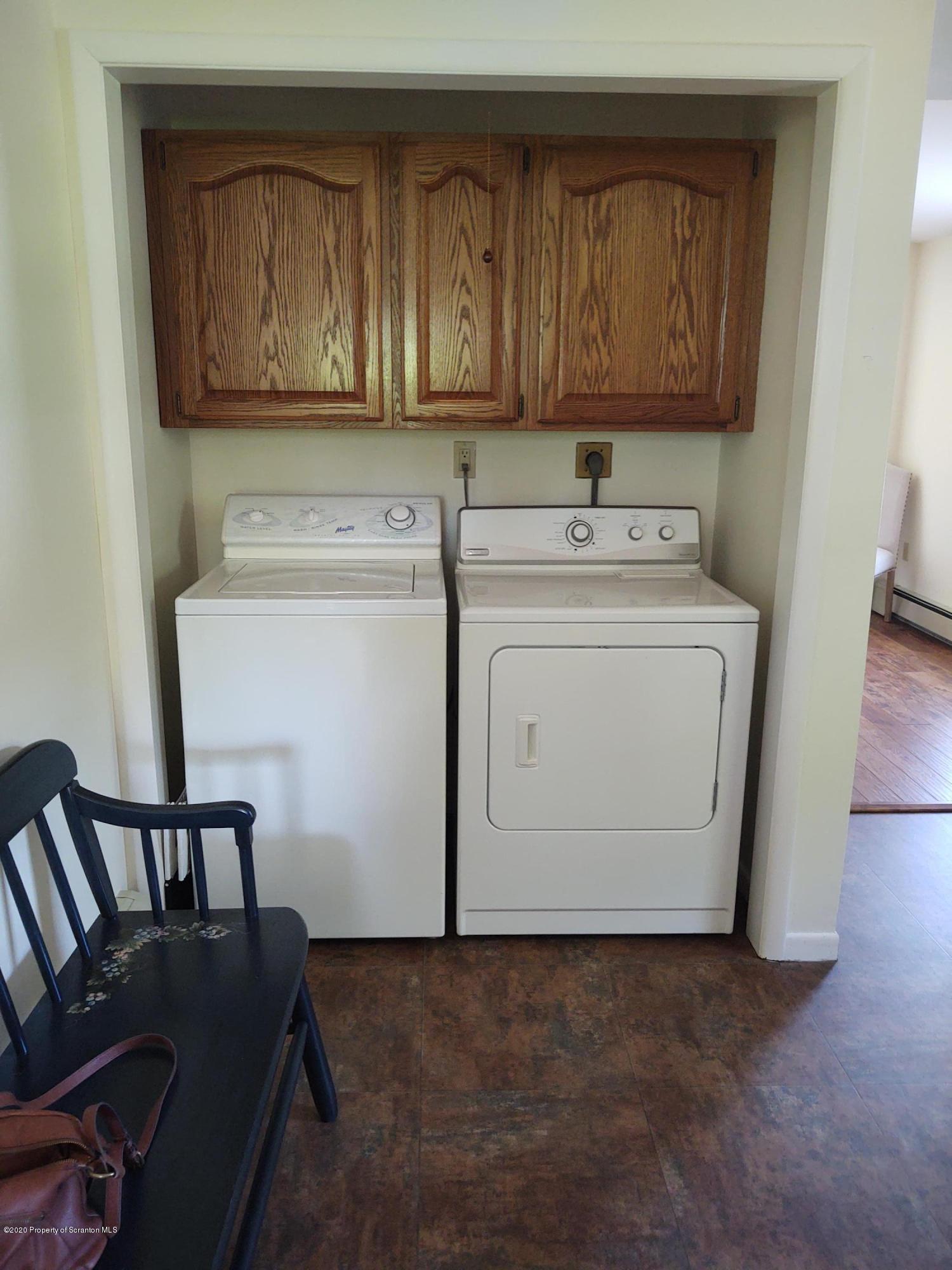 56 Shamrock Ave, Carbondale, Pennsylvania 18407, 3 Bedrooms Bedrooms, 6 Rooms Rooms,2 BathroomsBathrooms,Single Family,For Sale,Shamrock,20-2269