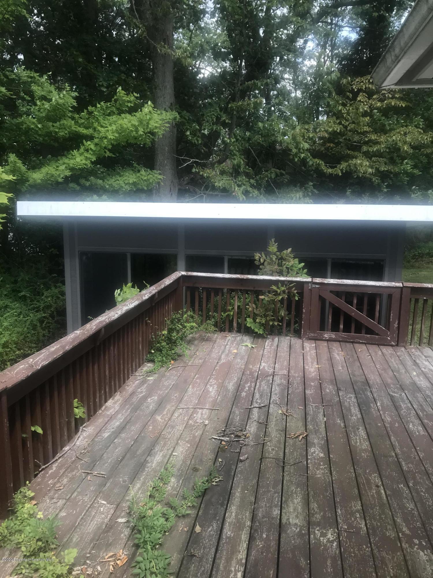 16 Hepplewhite, Scott Twp, Pennsylvania 18433, 2 Bedrooms Bedrooms, 5 Rooms Rooms,1 BathroomBathrooms,Single Family,For Sale,Hepplewhite,20-3414