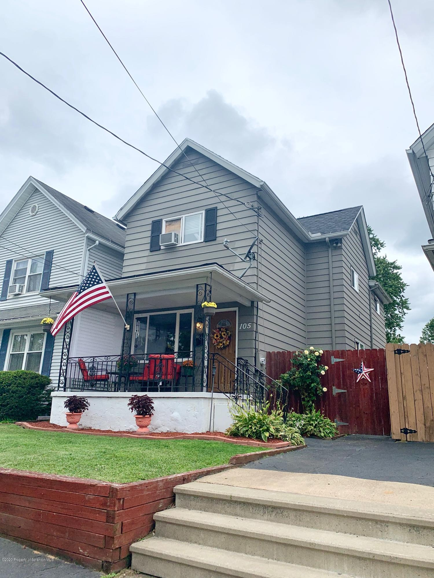 105 Grant St, Dickson City, Pennsylvania 18519, 3 Bedrooms Bedrooms, 6 Rooms Rooms,1 BathroomBathrooms,Single Family,For Sale,Grant,20-3528