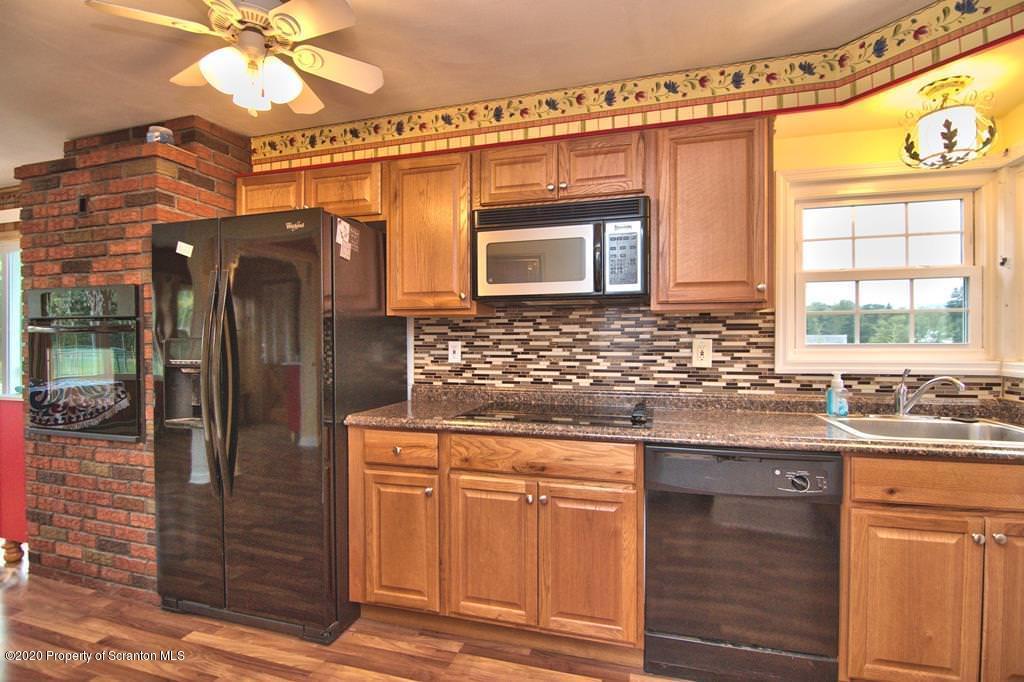 131 Lake Quinn Road, Waymart, Pennsylvania 18472, 3 Bedrooms Bedrooms, 9 Rooms Rooms,3 BathroomsBathrooms,Single Family,For Sale,Lake Quinn,20-3556