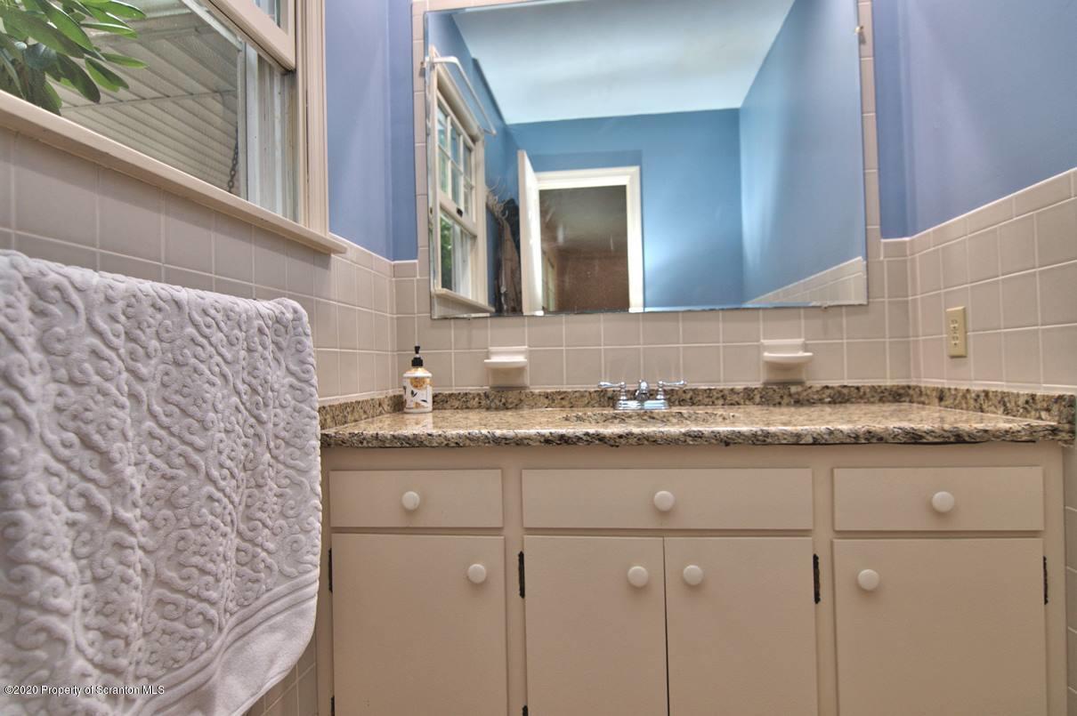 588 Hilltop Rd, Peckville, Pennsylvania 18452, 4 Bedrooms Bedrooms, 9 Rooms Rooms,4 BathroomsBathrooms,Single Family,For Sale,Hilltop,20-3609