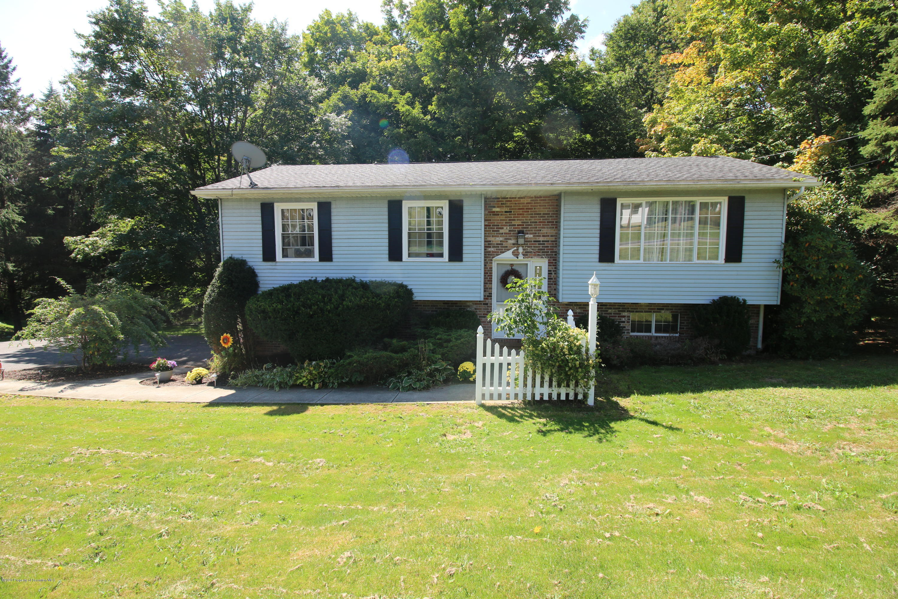 755 State Route 307, Spring Brook Twp, Pennsylvania 18444, 3 Bedrooms Bedrooms, 7 Rooms Rooms,2 BathroomsBathrooms,Single Family,For Sale,State Route 307,20-3807