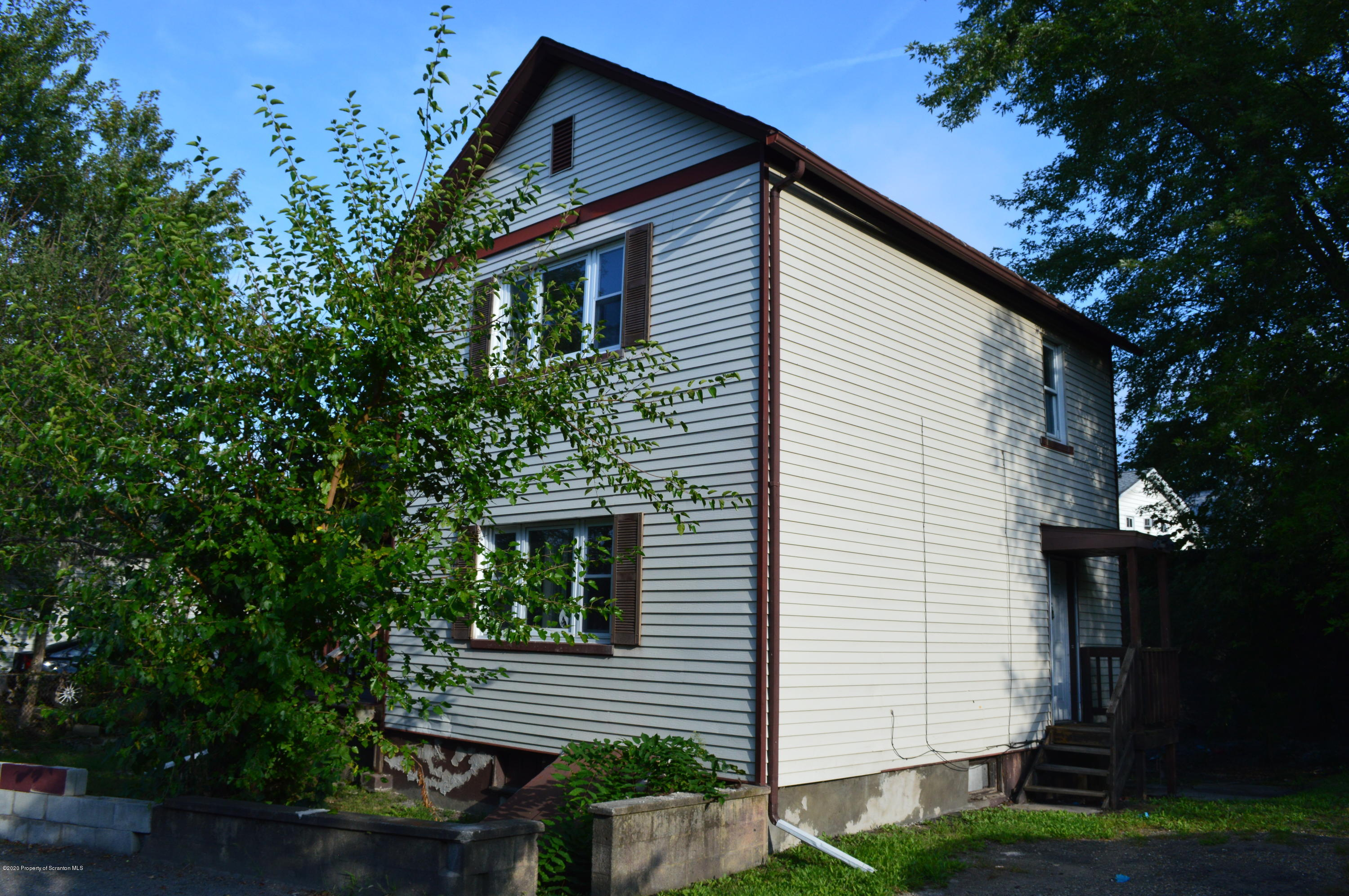 914 Rear Main St, Old Forge, Pennsylvania 18518, 3 Bedrooms Bedrooms, 6 Rooms Rooms,1 BathroomBathrooms,Single Family,For Sale,Rear Main,20-3790