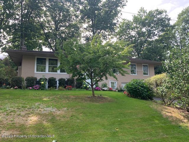 116 Woodside Dr, Clarks Summit, Pennsylvania 18411, 4 Bedrooms Bedrooms, 9 Rooms Rooms,3 BathroomsBathrooms,Single Family,For Sale,Woodside,20-3804