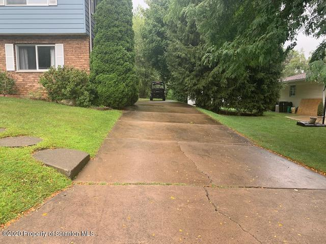 926 Martin Dr, Jessup, Pennsylvania 18434, 4 Bedrooms Bedrooms, 8 Rooms Rooms,3 BathroomsBathrooms,Single Family,For Sale,Martin,20-3821