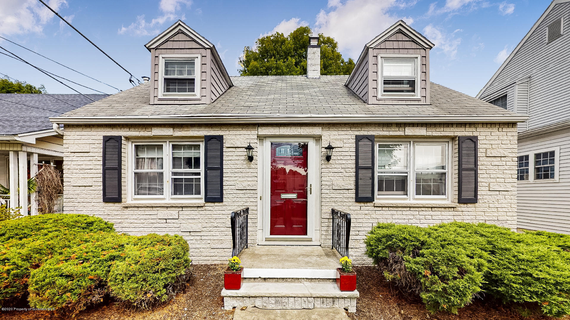1033 Hemlock St, Scranton, Pennsylvania 18505, 2 Bedrooms Bedrooms, 8 Rooms Rooms,2 BathroomsBathrooms,Single Family,For Sale,Hemlock,20-3851