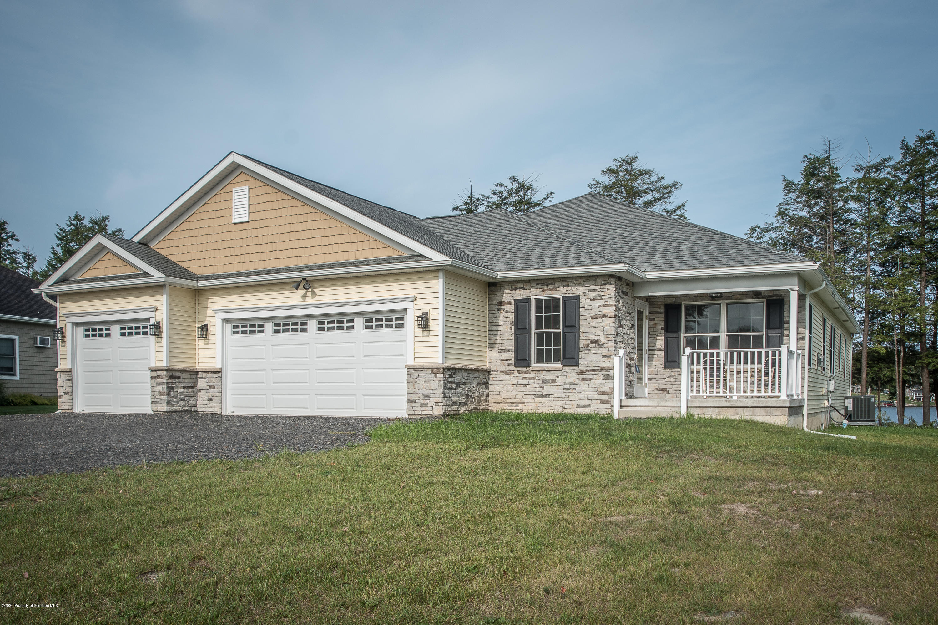 177 Wagner Blvd, Greenfield Twp, Pennsylvania 18407, 3 Bedrooms Bedrooms, 7 Rooms Rooms,3 BathroomsBathrooms,Single Family,For Sale,Wagner Blvd,20-4350