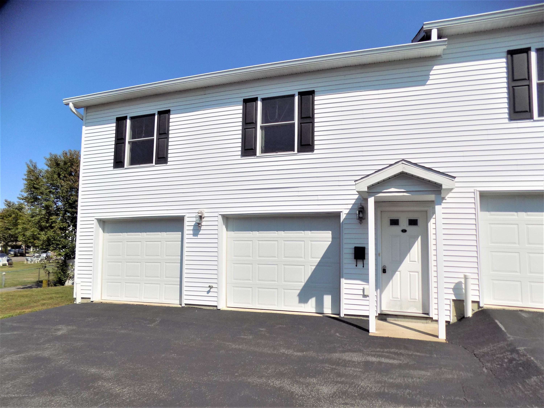 1114-1116 Main St Apt 3, Taylor, Pennsylvania 18517, 2 Bedrooms Bedrooms, 4 Rooms Rooms,1 BathroomBathrooms,Rental,For Lease,Main St,20-3979