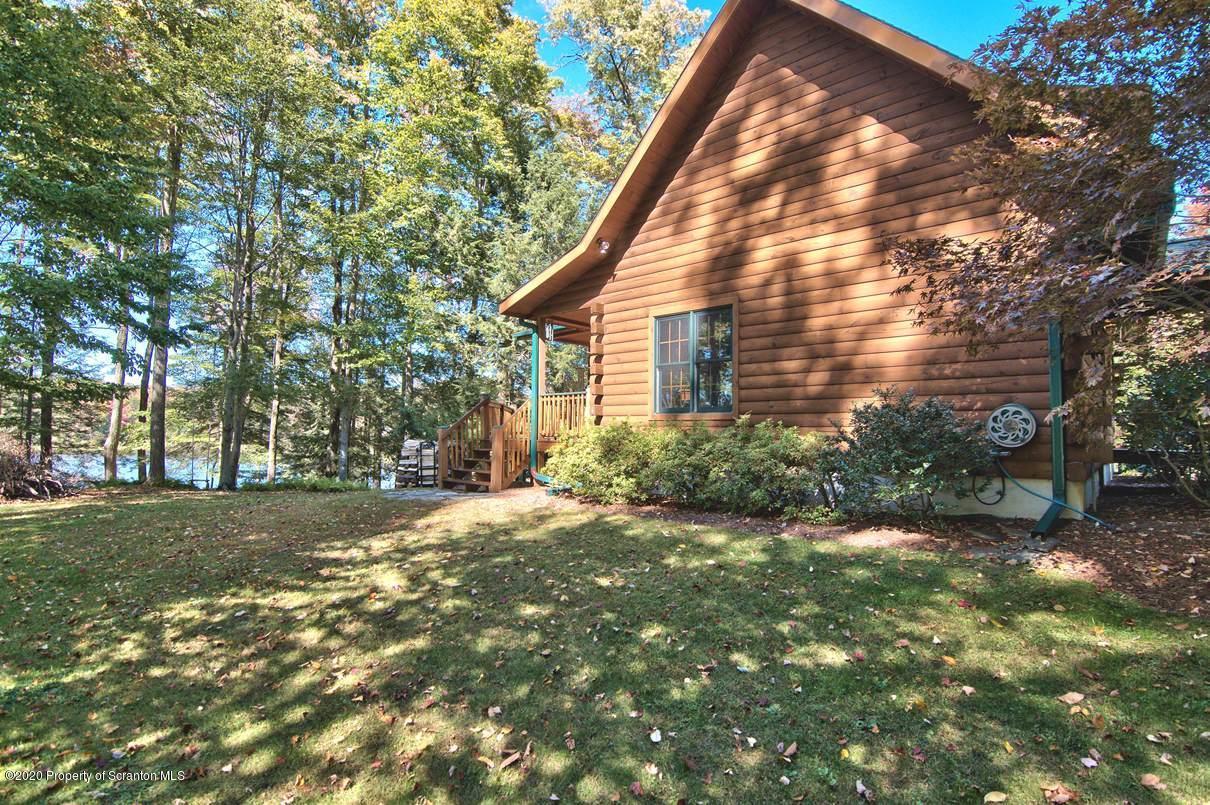 8 Lake Rd., Madison Twp, Pennsylvania 18444, 3 Bedrooms Bedrooms, 10 Rooms Rooms,3 BathroomsBathrooms,Single Family,For Sale,Lake,20-4283