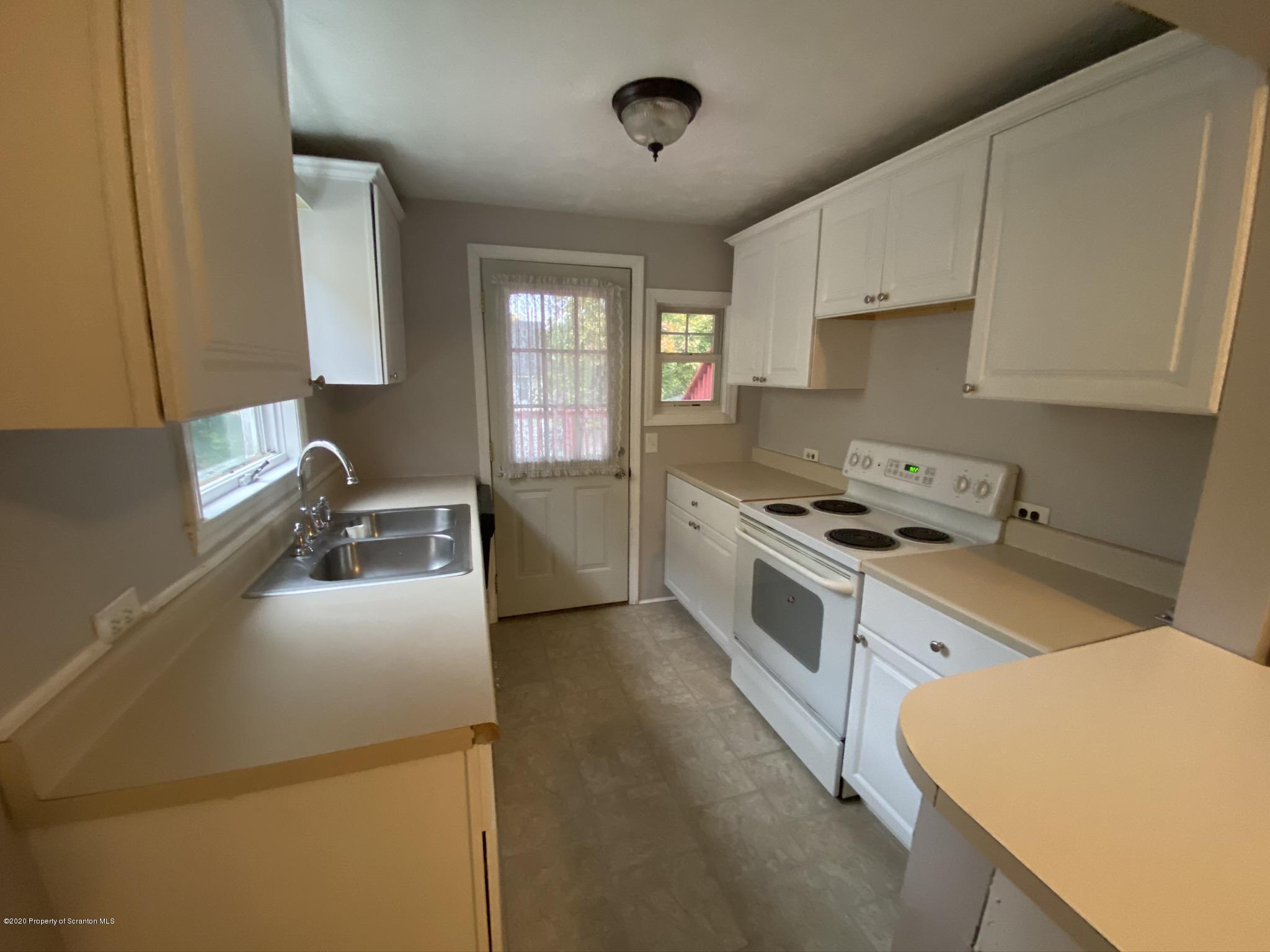 2329 Washington Ave, Scranton, Pennsylvania 18509, 2 Bedrooms Bedrooms, 6 Rooms Rooms,1 BathroomBathrooms,Rental,For Lease,Washington,20-4450