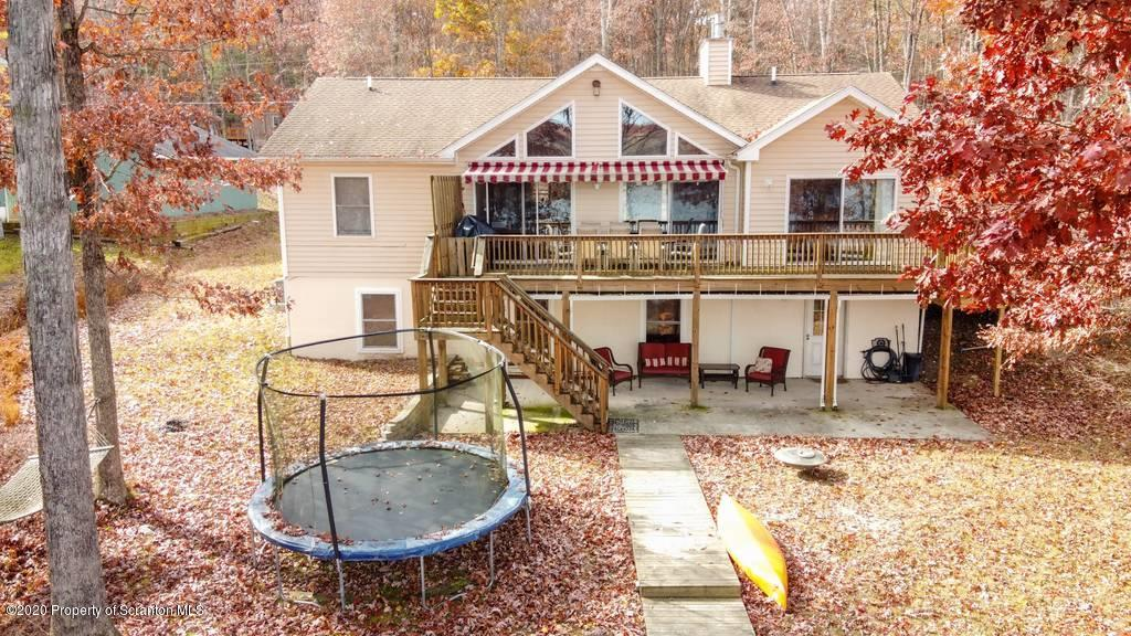 236 Fawn Lake Dr, Hawley, Pennsylvania 18428, 6 Bedrooms Bedrooms, 12 Rooms Rooms,4 BathroomsBathrooms,Single Family,For Sale,Fawn Lake,20-4625