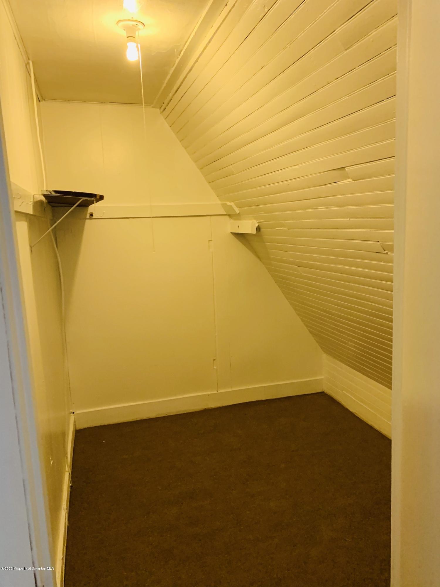 920 Webster Ave, Scranton, Pennsylvania 18505, 2 Bedrooms Bedrooms, 3 Rooms Rooms,1 BathroomBathrooms,Rental,For Lease,Webster,20-4996