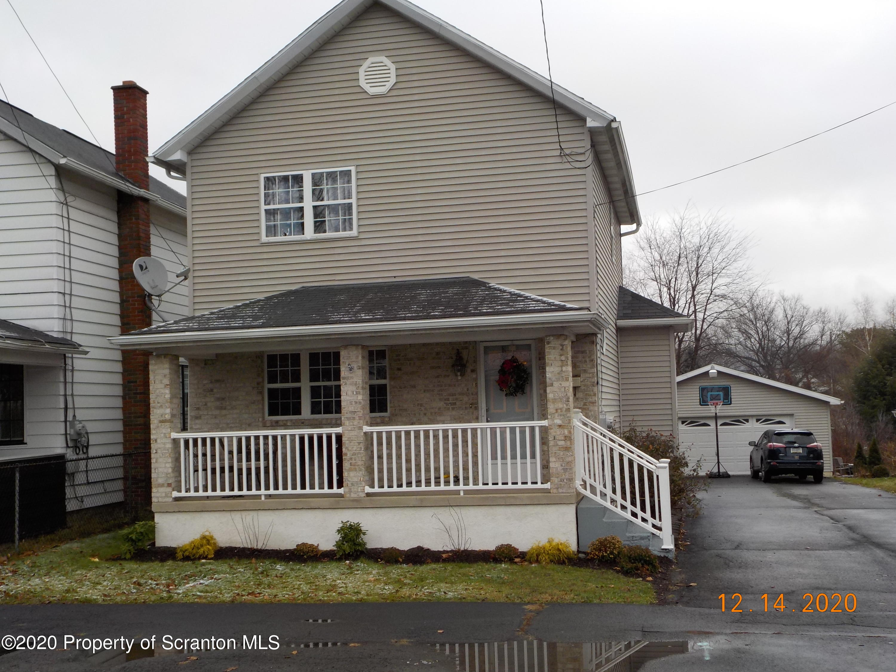 540 Lincoln Ave, Jermyn, Pennsylvania 18433, 3 Bedrooms Bedrooms, 7 Rooms Rooms,2 BathroomsBathrooms,Single Family,For Sale,Lincoln,20-5297