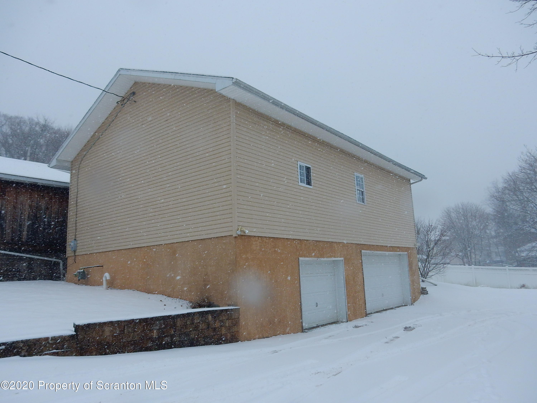 30 Oak Ave, Carbondale, Pennsylvania 18407, 3 Bedrooms Bedrooms, 6 Rooms Rooms,1 BathroomBathrooms,Single Family,For Sale,Oak,20-5335