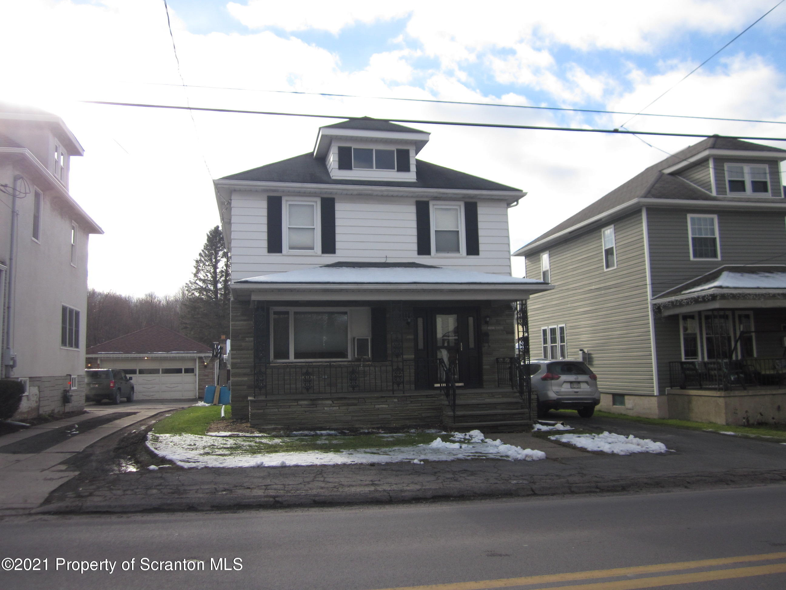 116 Hill St, Jessup, Pennsylvania 18434, 3 Bedrooms Bedrooms, 6 Rooms Rooms,2 BathroomsBathrooms,Single Family,For Sale,Hill,21-62