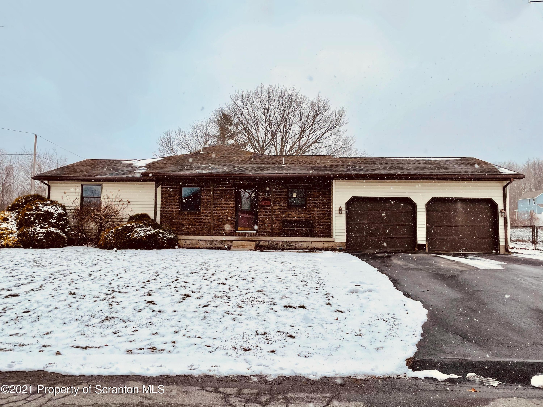 807 Chestnut St, Eynon, Pennsylvania 18403, 5 Bedrooms Bedrooms, 8 Rooms Rooms,3 BathroomsBathrooms,Single Family,For Sale,Chestnut,21-194