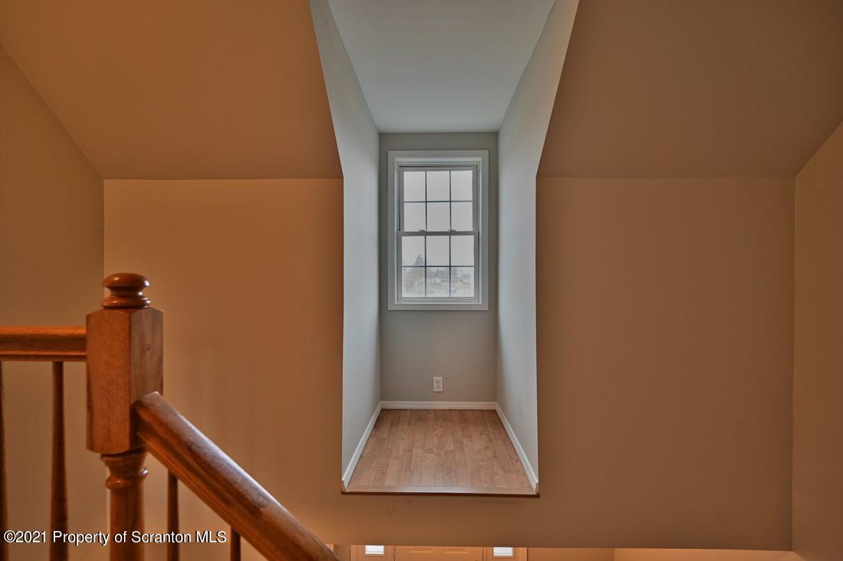 210 Hall St, Throop, Pennsylvania 18512, 3 Bedrooms Bedrooms, 7 Rooms Rooms,2 BathroomsBathrooms,Single Family,For Sale,Hall,21-988