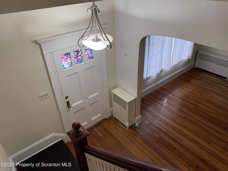 617 Main St, Dickson City, Pennsylvania 18519, 3 Bedrooms Bedrooms, 6 Rooms Rooms,2 BathroomsBathrooms,Single Family,For Sale,Main,21-1077