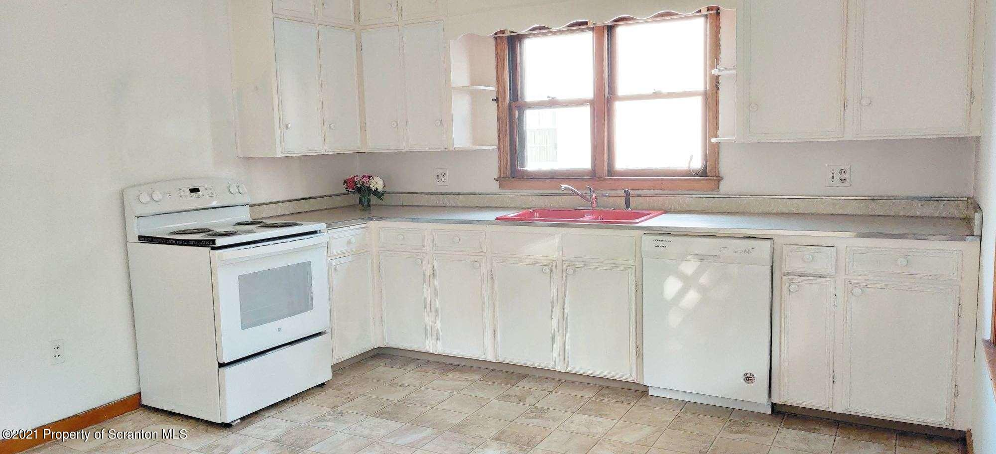 711 Woodmere Ave, Dickson City, Pennsylvania 18519, 3 Bedrooms Bedrooms, 5 Rooms Rooms,1 BathroomBathrooms,Single Family,For Sale,Woodmere,21-1074