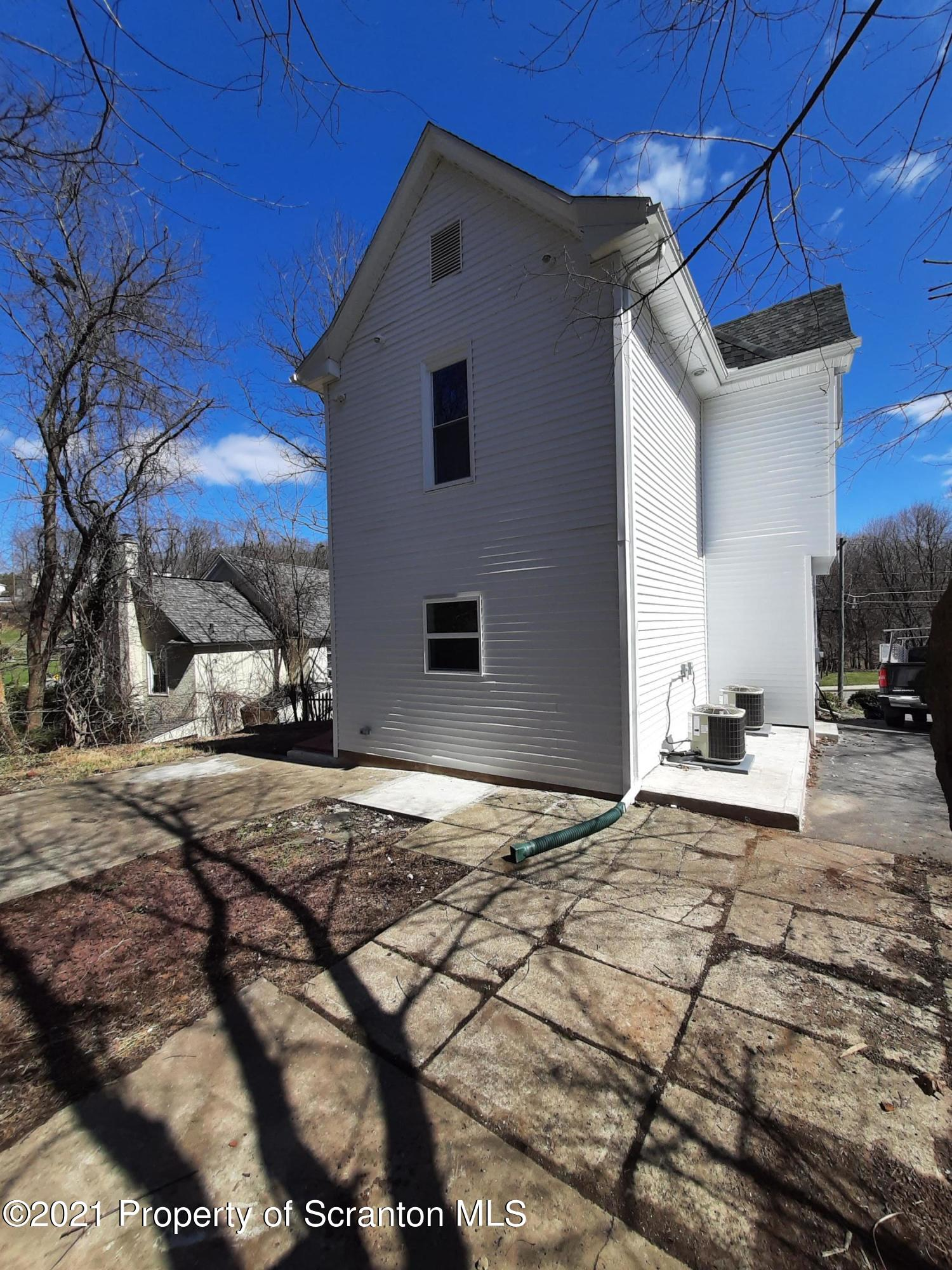 714 Valley Ave, Olyphant, Pennsylvania 18447, 3 Bedrooms Bedrooms, 7 Rooms Rooms,3 BathroomsBathrooms,Single Family,For Sale,Valley,21-1200