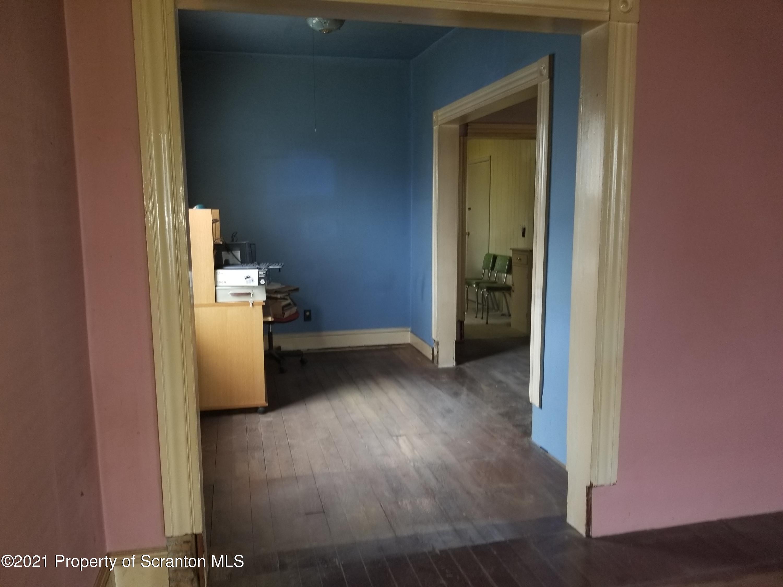 Scranton, Pennsylvania 18509, 3 Bedrooms Bedrooms, 7 Rooms Rooms,2 BathroomsBathrooms,Single Family,For Sale,21-1164