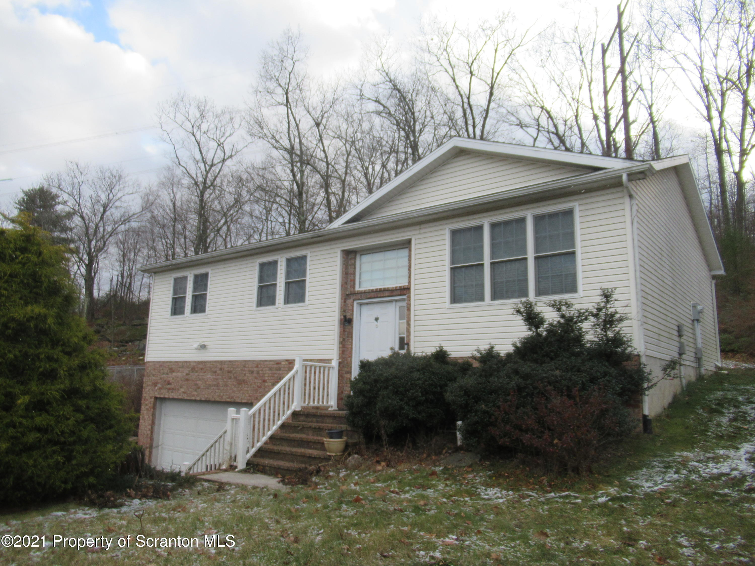 795 Main St, Archbald, Pennsylvania 18403, 3 Bedrooms Bedrooms, 7 Rooms Rooms,3 BathroomsBathrooms,Single Family,For Sale,Main,21-1204