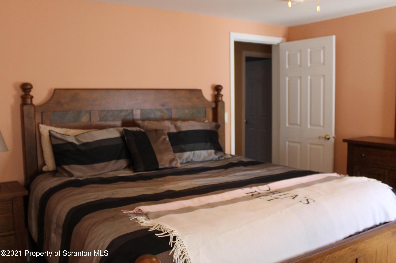 551 Lowe Lake Road, Union Dale, Pennsylvania 18470, 2 Bedrooms Bedrooms, 6 Rooms Rooms,2 BathroomsBathrooms,Single Family,For Sale,Lowe Lake,21-915