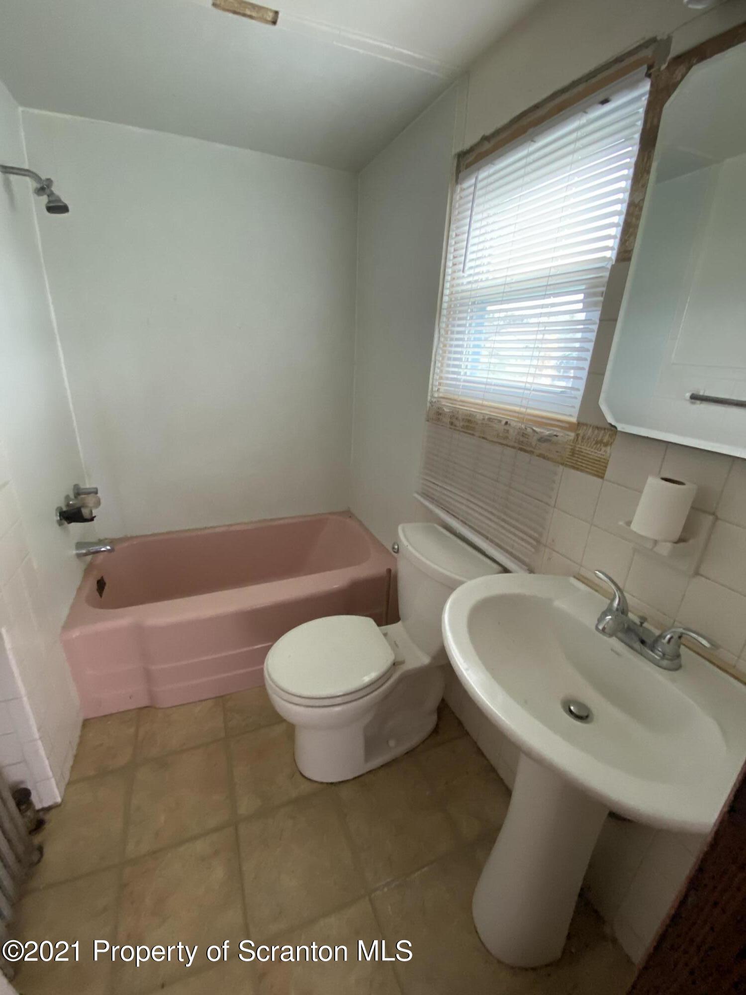 714 Cypress St, Throop, Pennsylvania 18512, 3 Bedrooms Bedrooms, 8 Rooms Rooms,2 BathroomsBathrooms,Single Family,For Sale,Cypress,21-1232